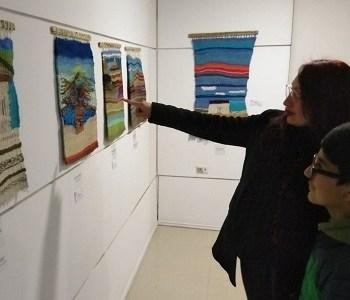 Presentan muestra en Pozo Almonte de piezas textiles de promisorios artistas del Centro Teletón y en Pica, registro visual de las maravillas del mundo submarino