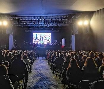 Clases de teatro gratuitas realizarán en Iquique durante un mes, docentes de la Universidad Católica