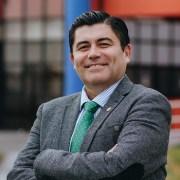 Alberto Martínez dio el vamos a campaña rectoral de la UNAP en encuentro con la Facultad de Ciencias Empresariales