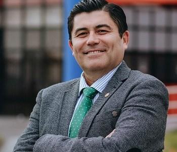 Alberto Martínez nuevo Rector de la UNAP con el 53.3% de los votos. Está feliz y enfocado en lo que será su programa de gobierno