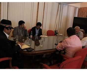 Fracasa encuentro convocado por intendente Quezada a los alcaldes, al no pronunciarse sobre metodologías de diálogos ciudadanos, ni determinar si son o no vinculantes