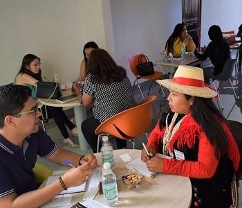 """Emprendedoras participantes de Programa Originarias de ONU Mujeres realizó ejercicio práctico """"Presentación de mi negocio"""""""
