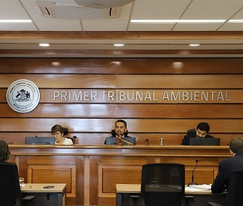 Primer Tribunal Ambiental mantiene medida cautelar de paralización de obras del Relleno Sanitario Santa Inés, rechazando solicitud de empresa Cosemar S.A. para iniciar faenas