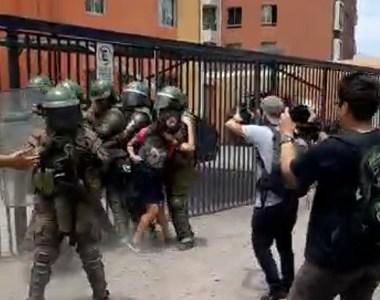 A control de detención pasarán 18 manifestantes detenidos durante incidentes en la zona cero. La mayoría menores de edad. Dos son mujeres.