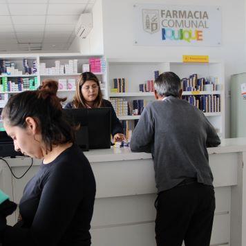 Más de tres mil 300 atenciones en farmacia comunal durante crisis sanitaria. Adultos mayores son los principales usuarios