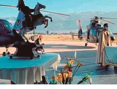Gobierno de Bolivia realiza gasto millonario para bendecir ciudades utilizando helicópteros. Mientras sus compatriotas siguen abandonados en Chile
