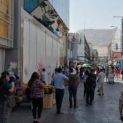 Para reducir la cantidad y cercanía entre personas en las calles céntricas, se evalúa su cierre tanto en Iquique como en Alto Hospicio