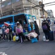 """Nuevo grupo de ciudadanos bolivianos fueron repatriados hoy. Harán cuarentena en """"Tata Santiago"""""""