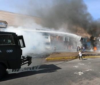"""""""El hambre no espera"""": Vecinos de Valle Verde fueron reprimidos por protestar por falta de alimentos"""