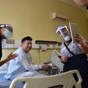 Servicio de Traumatología del Hospital de Iquique, incorpora conexión virtual de pacientes con familiares por video llamadas