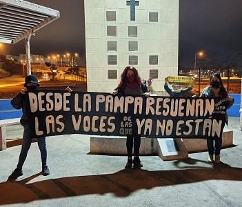 """En Monolito """"Las Reinas de la Pampa"""", Red de Mujeres lanza en Alto Hospicio campaña """"Cuidado el machismo mata"""""""