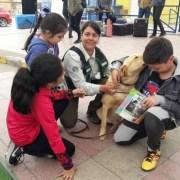 Guías caninos del SAG, adoptaron a las perritas Milk y Camelia que ahora tienen un hogar al pasar a retiro