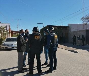 """Carabineros en servicio activo y en retiro eran parte de banda criminal que hacía """"la mexicana"""" a comerciantes extranjeros"""