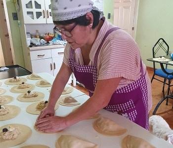 Fonda Fosis: Vitrina virtual que expone productos típicos en fiestas patrias. Participan 15 emprendedores de Tarapacá