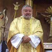 Con buen estado de ánimo y alentador pronóstico, trasladan a sacerdote Franklin Luza a Hospital de la Universidad Católica