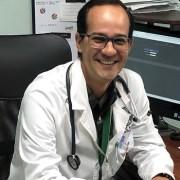 Destacado oncólogo realizará charla por facebook sobre cáncer al pulmón, con alta prevalencia en Tarapacá