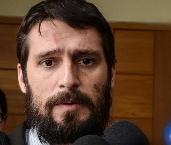 Matías Ramírez candidato a alcalde por Iquique y Enzo Morales primer postulante a gobernador regional a firme para elecciones de abril