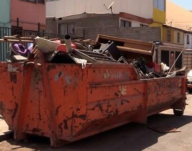 """IMI retoma labores de aseo en poblaciones con operativo """"Barrio Limpio"""". Recorrerá distintos puntos de la comuna"""