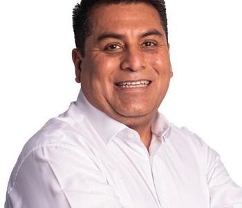 Rubén Berríos compatibiliza su campaña a gobernador y permanencia en el Consejo Regional
