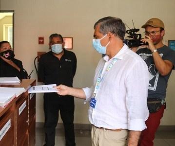 Alcalde Soria presentó recurso de protección contra Piñera por falta de control en la frontera y abandono de las personas migrantes.