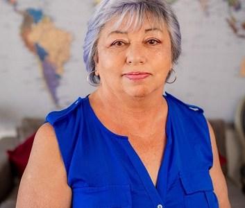 """Candidata Julia Gandarillas: """"Este 8M se vive un momento histórico por la oportunidad de redactar una Nueva Constitución"""""""