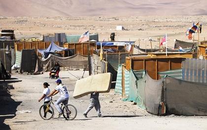 """Estudio: """"Territorios para el castigo y el padecimiento. Ser indio y migrante en los campamentos del desierto de Atacama"""""""