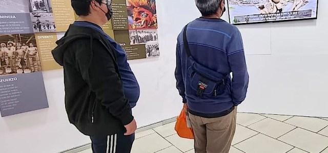 """Expo """"Huantajaya y la historia de la minería de la plata tarapaqueña"""" atrae público que acude al Mall Zofri"""