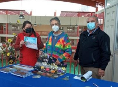 "Proyecto Fondart permitió edición de  texto ""Flora Costera de Tarapacá"", entregado a Cormudesi para su distribución entre los escolares"