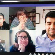 """En Pozo Almonte lanzan ciclo 2021 de """"Diálogos en Movimiento"""", encuentro en que  estudiantes comparten con escritores y comentan una de sus obras."""