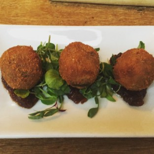 Confit duck and cheese balls - Three Birds