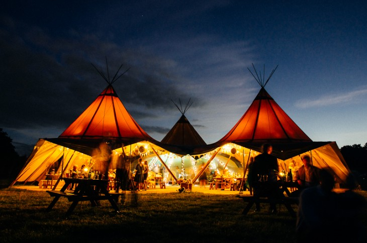 Giant Tipi - Airport Accommodation