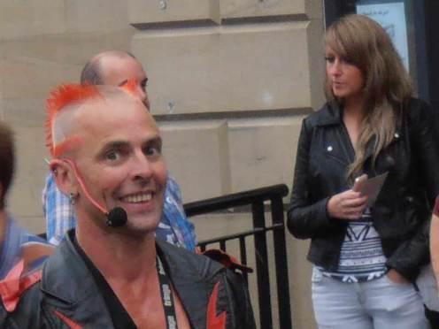 Smiling Busker at the Edinburgh Fringe