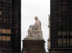 Statues at the Edinburgh Fringe