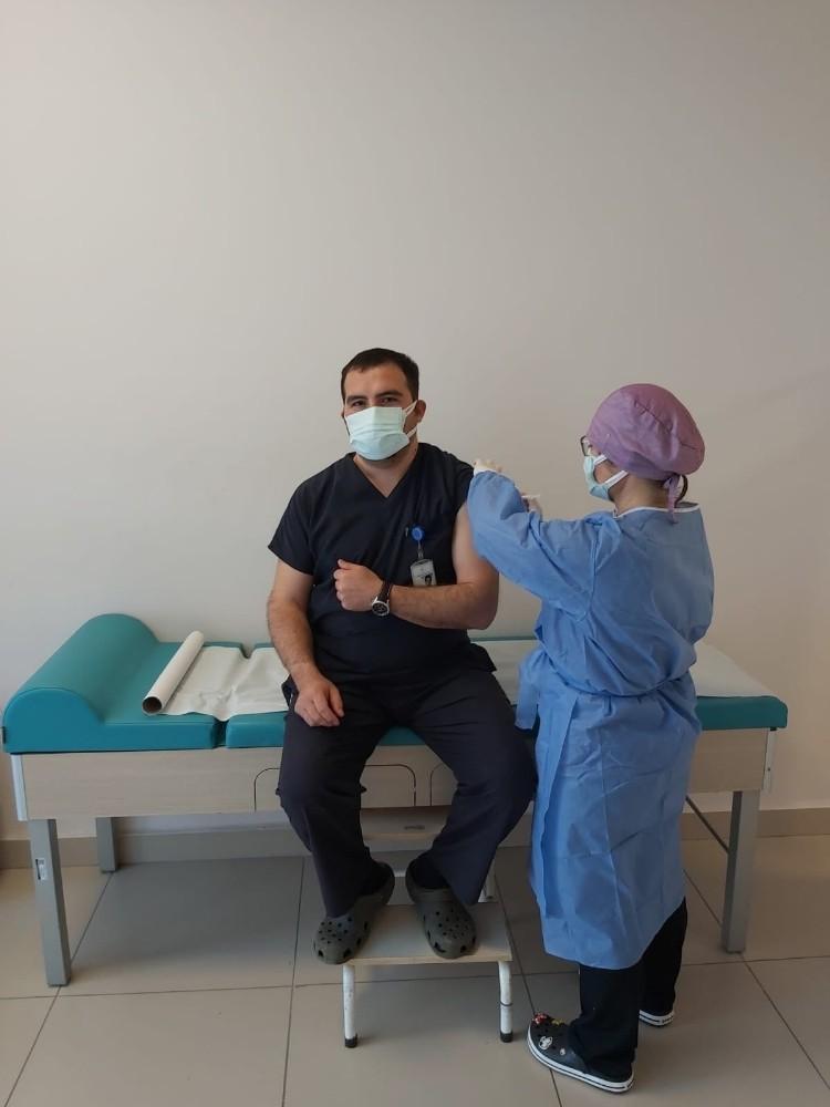 Edirne'de sağlık çalışanlarına ikinci doz aşı uygulaması başladı
