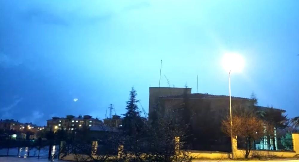 Edirne'de şimşekler geceyi aydınlattı