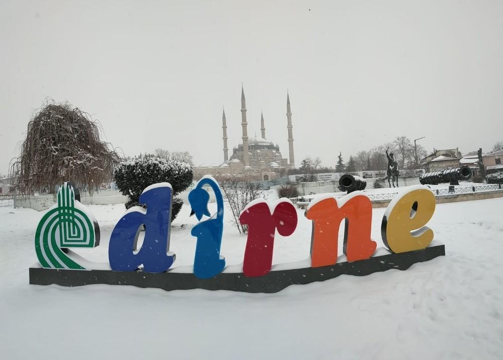 Edirne'de yüz yüze eğitime kar engeli
