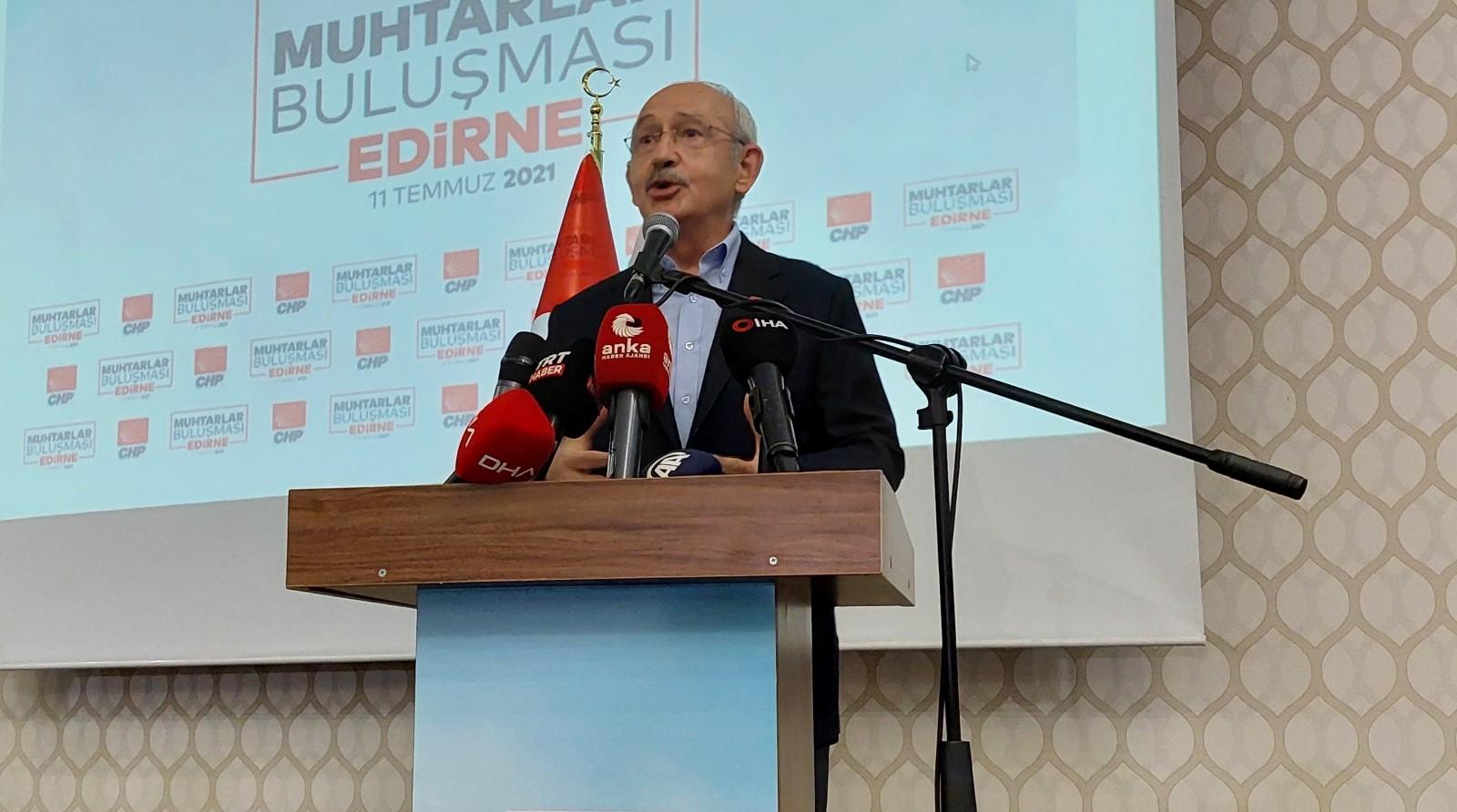 CHP Genel Başkanı Kılıçdaroğlu, muhtarlarla bir araya geldi