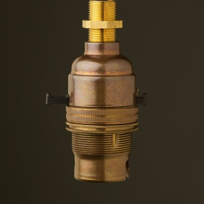 Brass Switched Lampholder Bayonet B22 fitting