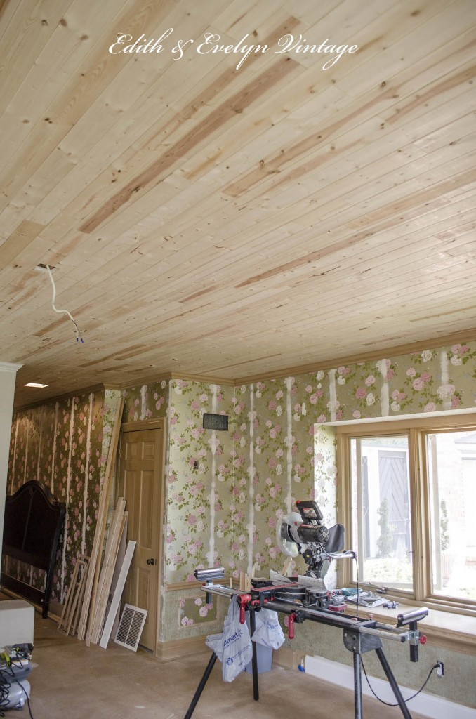 How To Plank A Popcorn Ceiling | Edith U0026 Evelyn Vintage |  Www.edithandevelynvintage.