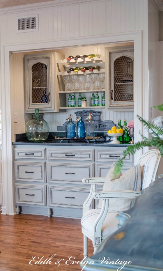 Transformation of a French Country Kitchen | Edith & Evelyn | www.edithandevelynvintage.com
