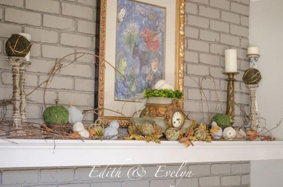 Fall Mantel Decor   Edith & Evelyn   www.edithandevelynvintage.com