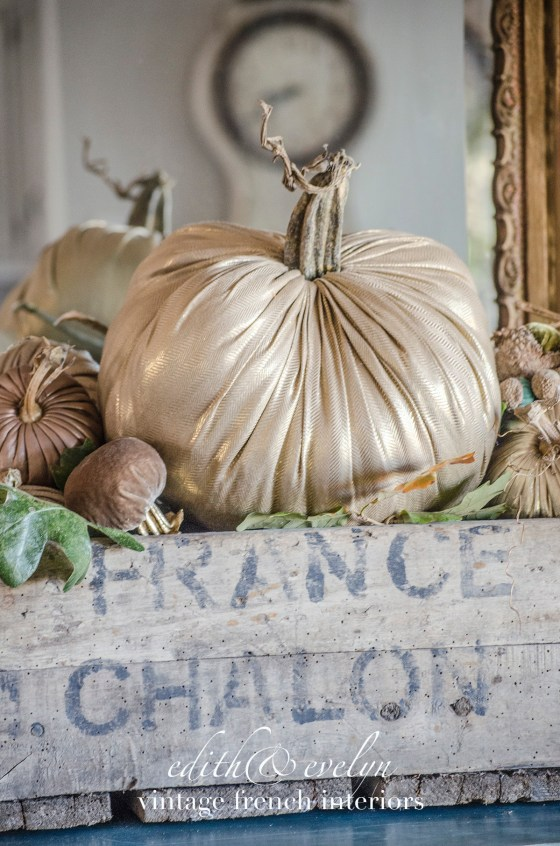 Glammed up Pumpkins | Edith & Evelyn | www.edithandevelynvintage.com