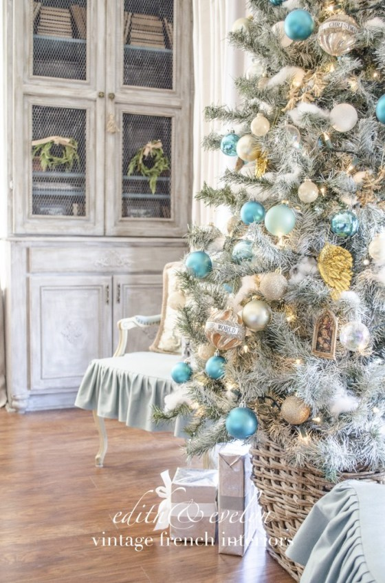 A Heavenly Tree | Edith & Evelyn Vintage | www.edithandevelynvintage.com