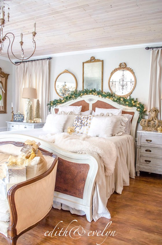The Master Bedroom Dressed for Christmas | Edith & Evelyn Vintage | www.edithandevelynvintage.com