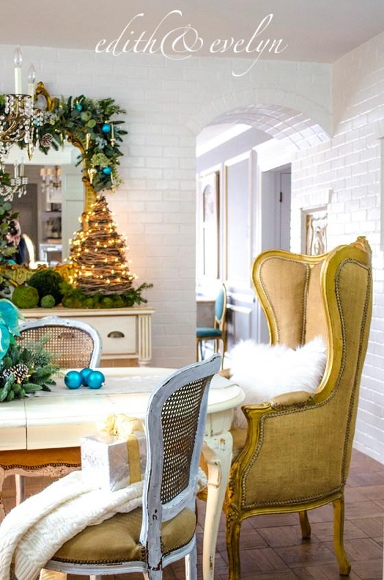 A Blue Christmas | Edith & Evelyn | www.edithandevelynvintage.com