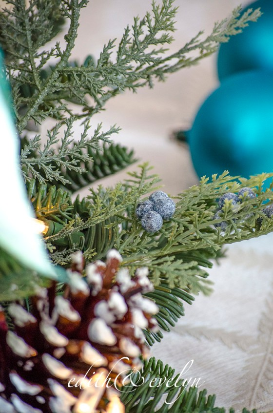 A Blue Christmas | Edith & Evelyn | www.edithandevelynvintage.com
