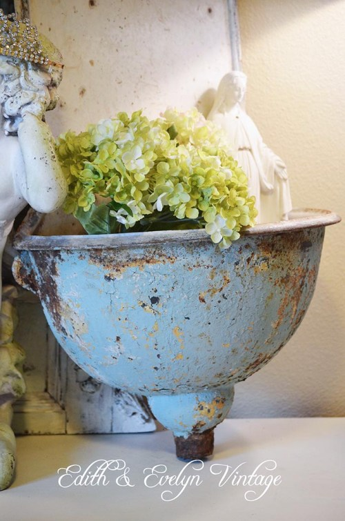 French Lavabo and French Style Magazine | Edith & Evelyn | www.edithandevelynvintage.com