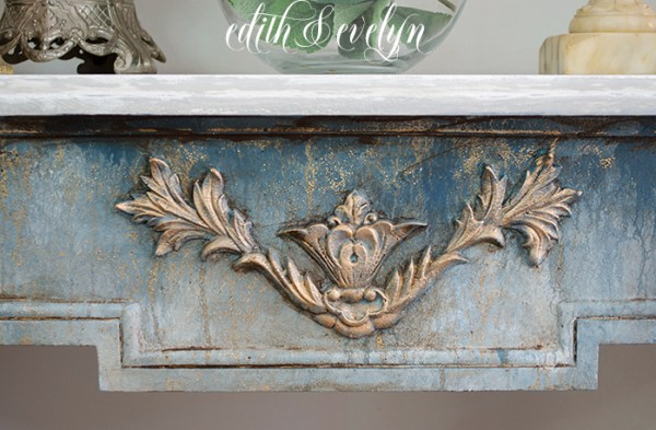 A Demilune Table Makeover | Edith & Evelyn | www.edithandevelynvintage.com