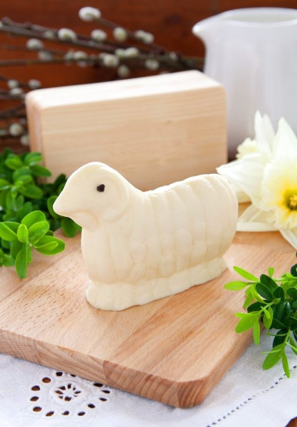 Butter Lamb Easter Tradition | Edith & Evelyn | www.edithandevelynvintage.com