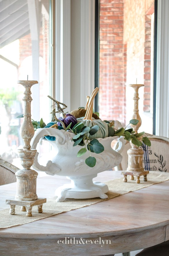 Autumn Touches Around the House | Edith & Evelyn | www.edithandevelynvintage.com